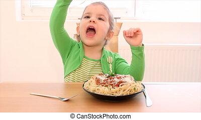 manger, peu, spaghetti, girl