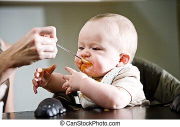 manger, solide, six, mois, nourriture, bébé, vieux