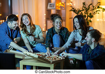 mangiare, casa, bere, pizza, amici, vino
