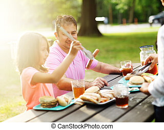 mangiare, padre, insieme, barbecue, figlia, cookout