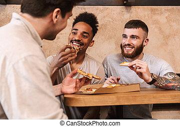 mangiare, uomini, tre, allegro, tavola, caffè, pizza