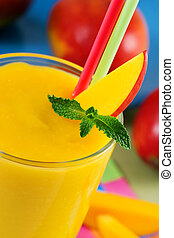 Mango smoothie with mint
