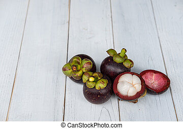 Mangosteen is Asian fruit that nutritive value.