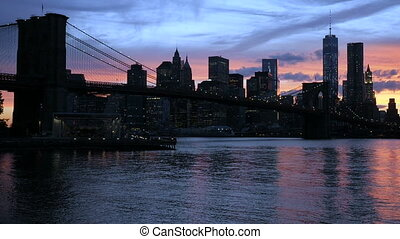 Manhattan and Brooklyn bridge, sunset - View on the Brooklyn...