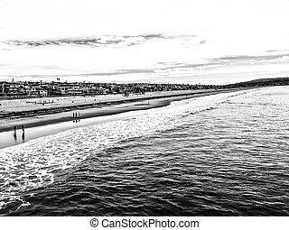 Manhattan beach, USA in b&w