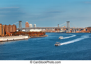 Manhattan Bridge over the East River - New York city with...