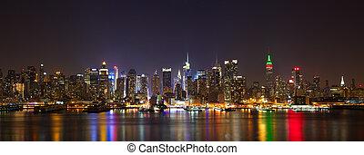 Manhattan midtown panorama - New York City midtown skyline...