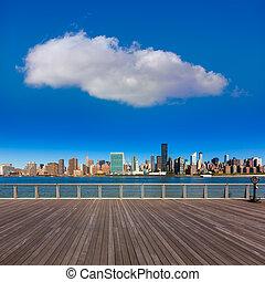 Manhattan New York sunny skyline East River NYC - Manhattan...