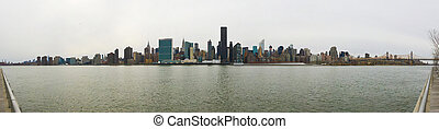 Manhattan Skyline in New York City from Long Island City -...