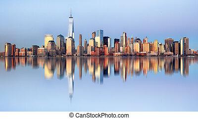 Manhattan skyline, New York City at night