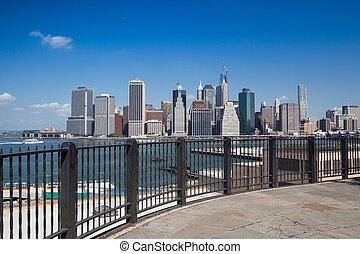 Manhattan skyline from promenade on Brooklyn side - New York, NYC