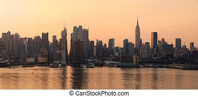 Manhattan skyline panorama in New York City