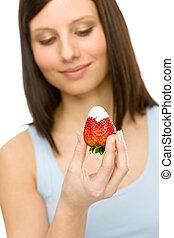 manière vivre saine, -, femme, manger, fraise