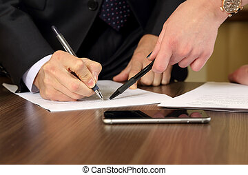 mani, di, uomini affari, e, donne, studiare, il, documenti
