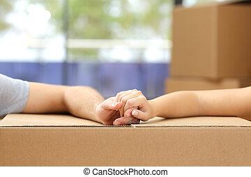 mani titolo portafoglio coppia, sopra, uno, scatola, casa trasloco