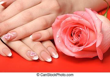 manicure., roter hintergrund, frau reicht
