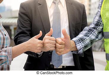 manipulation, hold, viser, tommelfinger oppe, by, gode, arbejde, hos, byen, background/success, i, teamwork