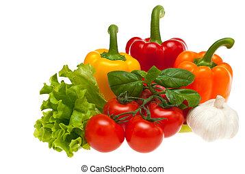 manjericão, pimentas, alho, alface, tomates