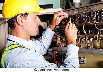 manlig, elektriker, testning, industriell, maskin