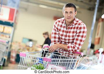 mann, an, supermarkt, molkerei, shoppen