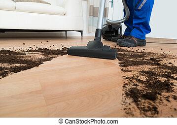Reiniger mann staubsaugen boden reiniger boden for Boden putzen