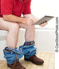 mann, auf, toilette, mit, tablette pc