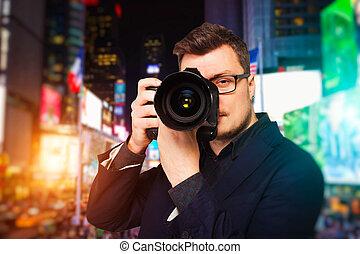 mann, fotograf, in, brille, mit, digital kamera