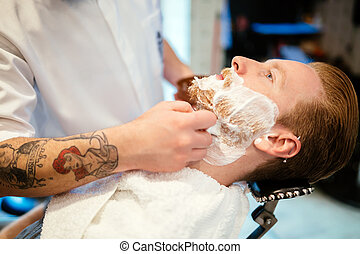 mann, in, frisörgeschäft