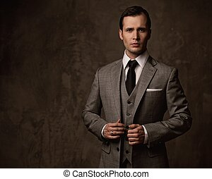 mann, in, grau, suit.