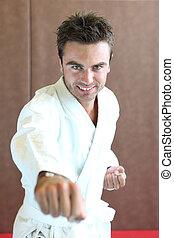 mann, karate machen