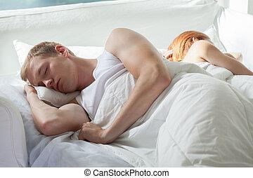 mann schlafen, seine, zurück