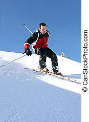 mann, ski fahrend