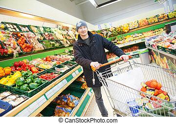 mann, wählen, gemuese, in, supermarkt, kaufmannsladen