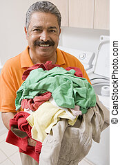mann, wäschewaschen