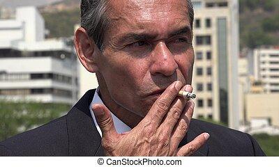mann, zigarettenrauchen, geschaeftswelt, spanisch