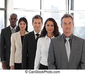 mannelijke , ceo, toonaangevend, een, team