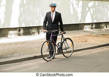 mannelijke , fietser, met, zijn, fiets, op, straat