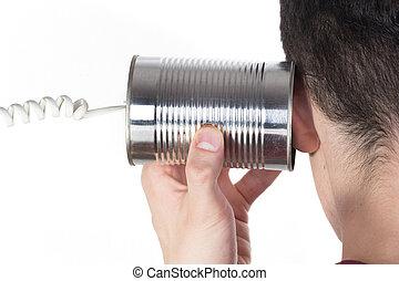 mannelijke , hand houdend, een, trommel telefoon, om te, zijn, oor