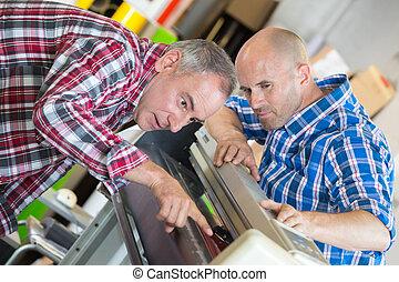 mannelijke , technici, herstelling, digitale , fotokopieerapparaat, machine