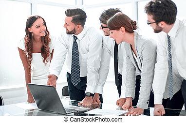 mannschaft, diskutierenden geschäft, online, informationen