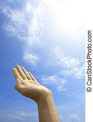 mano, asimiento, contra, cielo azul
