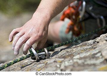 mano, di, rampicante, uomo, con, carbine, e, corda