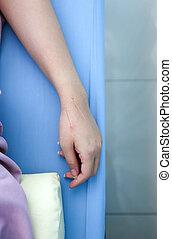 mano, di, uno, donna, con, agopuntura, trattamento