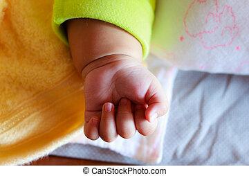 mano pequeña