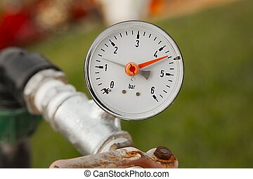 Manometer on pipes