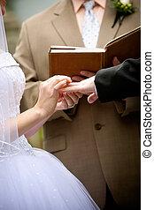 manos de valor en cartera, durante, un, ceremonia boda