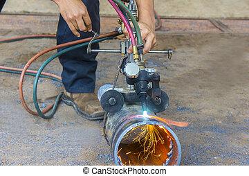 manual pipe cutting