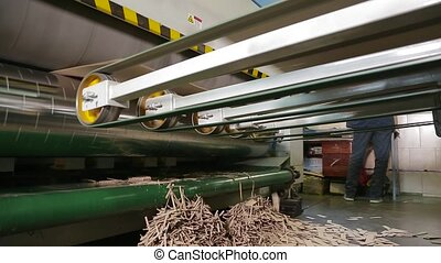 Manufacture of cardboard boxes. - Machine for the production...