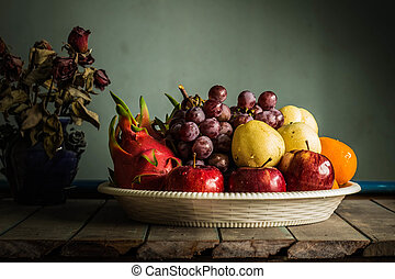fruits in a tray