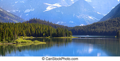 Many Glaciers park - Many Glaciers recreation area in...